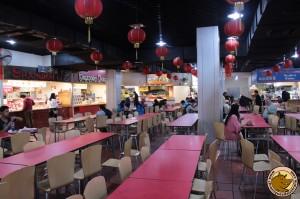 Plusieurs restaurants partageant les mêmes tables