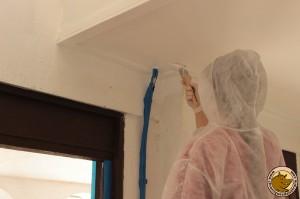 Je crois que Lucie avait peur de se mettre de la peinture partout...